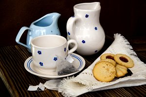 coin of tea and tea pastry