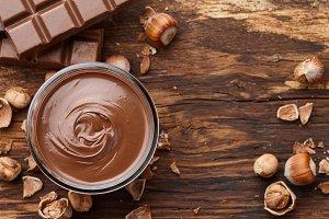 Chocolate spread with hazelnuts on w