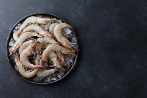 Fresh tiger prawns in a plate with i