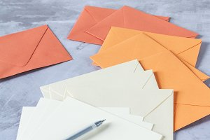 Stationery: envelopes and pen