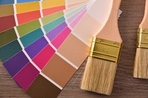 Colour chart in fan with two brushes