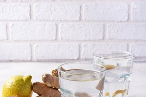 Water with ginger, detox healthy