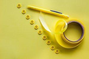 Yellow buttons, yellow ribbon