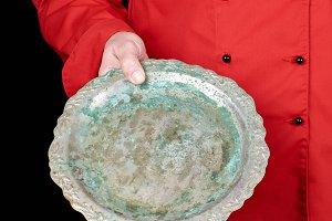 empty iron round dish