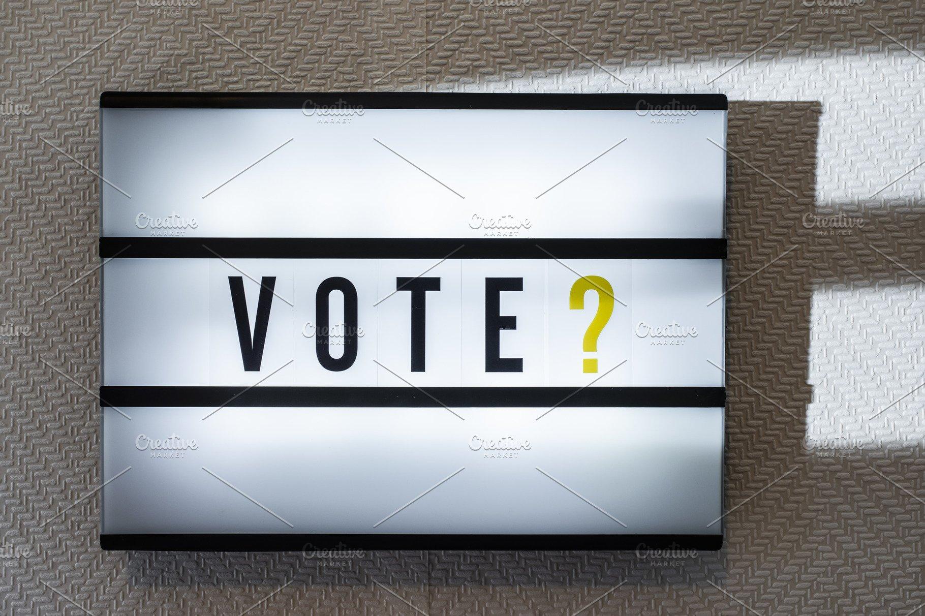Message Vote on illuminated board  V
