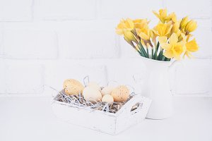 Easter with daffodils jar
