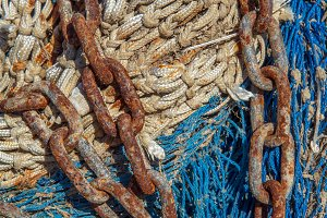 Chain on a fishing net (15)