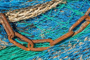 Chain on a fishing net (16)