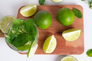 mojito, drink, lime and mint top vie