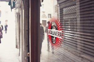 Venetian Street Reflect | Mockup