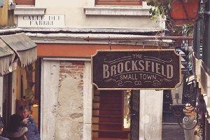 Venetian Street Store | Mockup