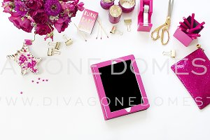 iPad Hot Pink Desktop | Stock Photo