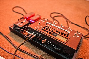 Effects unit with pedals and compres