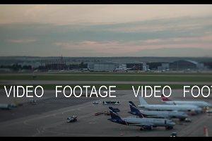 Timelapse of plane traffic in