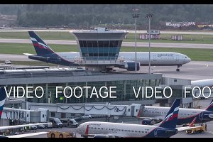 Timelapse of plane traffic and