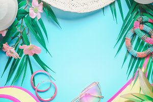 Beach accessories and smartphone