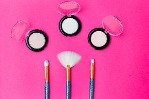 Makeup brushes & eye shadow