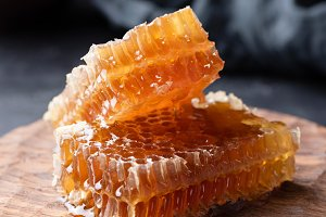 Honeycomb and honey dipper