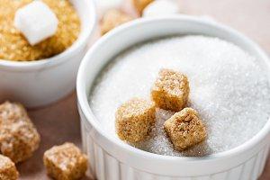 White and brown cane sugar