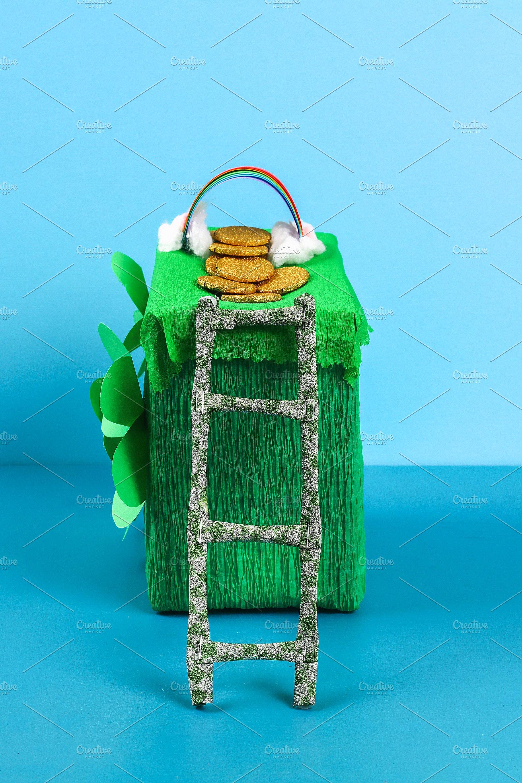 Diy Leprechaun Trap With Gold Coins Holiday Photos Creative Market