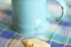 Breakfast in blue