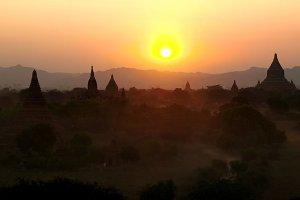 Sunet over Bagan
