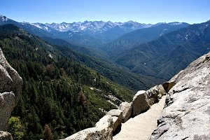 Stunning view of Sequoia NP Mountain
