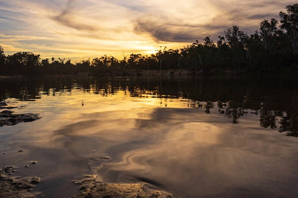 Sunset on the murray river in Echuc…