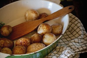 Fried young potatoes