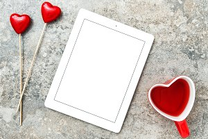 Tablet PC red hearts decoration
