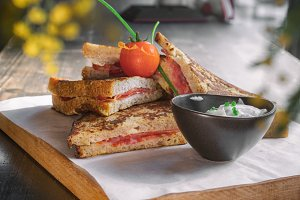 french toast with ham and tomato