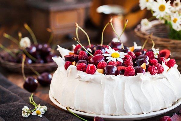 Food Images: Kate Smirnova  - Delicious Pavlova meringue cake deco