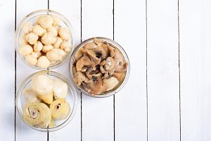 Pickled or in oil mushrooms and arti