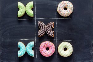 Tic tac toe made of donuts