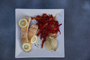 grilled salmon with red peppers