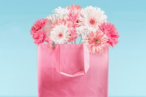 Shopping bag with pink flowers