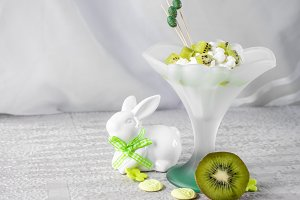 Dessert of cottage cheese and kiwi