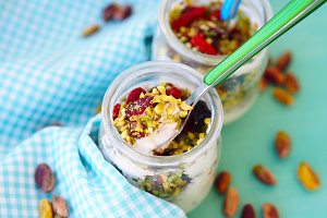 Natural yogurt with pistachio nuts