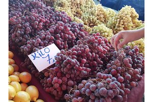 Organic grapes on showcase at the