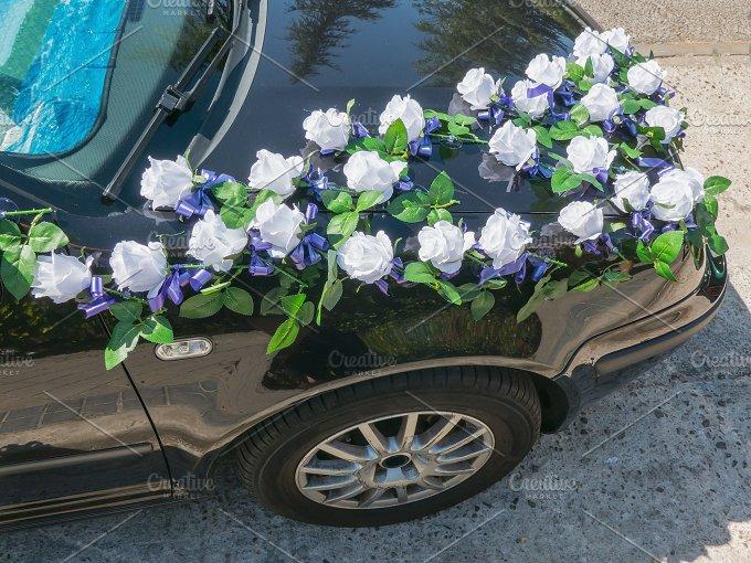 Wedding car roses.jpg - Holidays