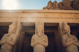 Statue of the great egyptian Pharaoh
