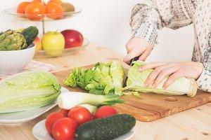 Preparing a healthy salad