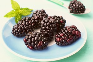 Blackberries on plate