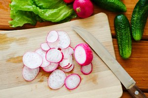 Sliced fresh radish