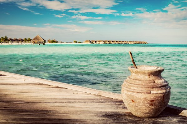 Wooden jetty on the ocean and Maldi…