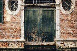 Rustic Venetian Corridor