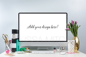 Simple & Chic Style iMac Mockup #02