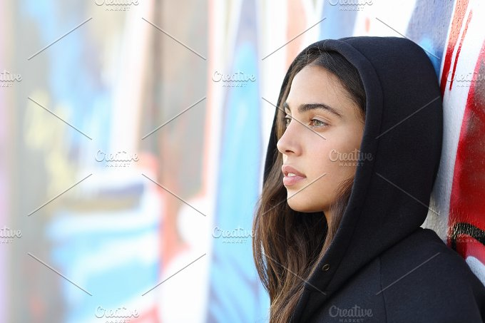 Profile portrait of a skater style teenager girl.jpg - People