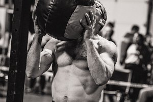 CrossFit Man Lifting Wall Ball 19.1
