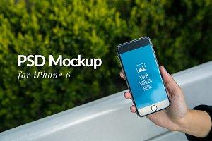 Hand iPhone 6 Mockup
